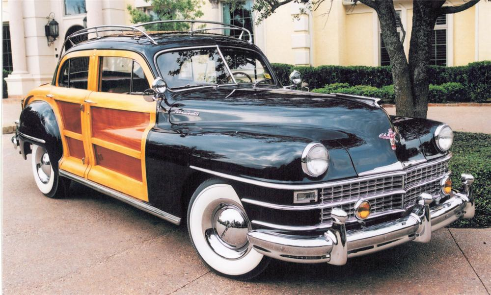1947 CHRYSLER SEDAN - Front 3/4 - 20340