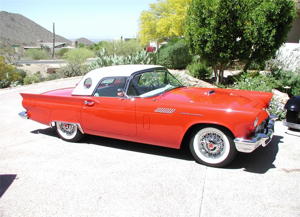 1957 FORD THUNDERBIRD CONVERTIBLE - Front 3/4 - 20372