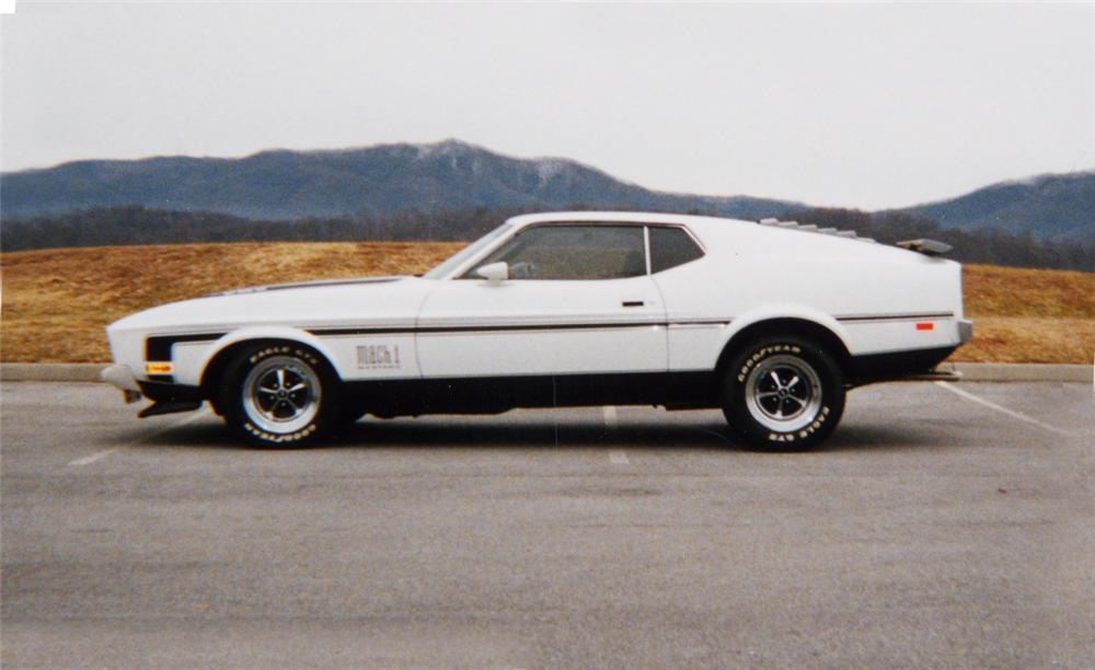 1973 FORD MUSTANG MACH 1 FASTBACK - Front 3/4 - 20566