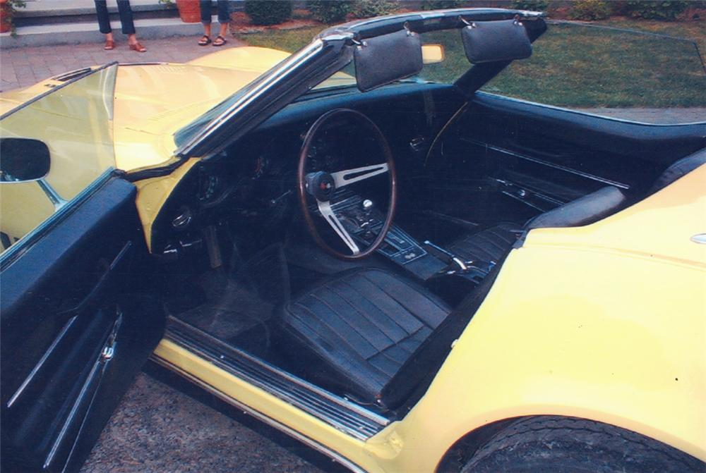 1968 CHEVROLET CORVETTE CONVERTIBLE - Interior - 20569
