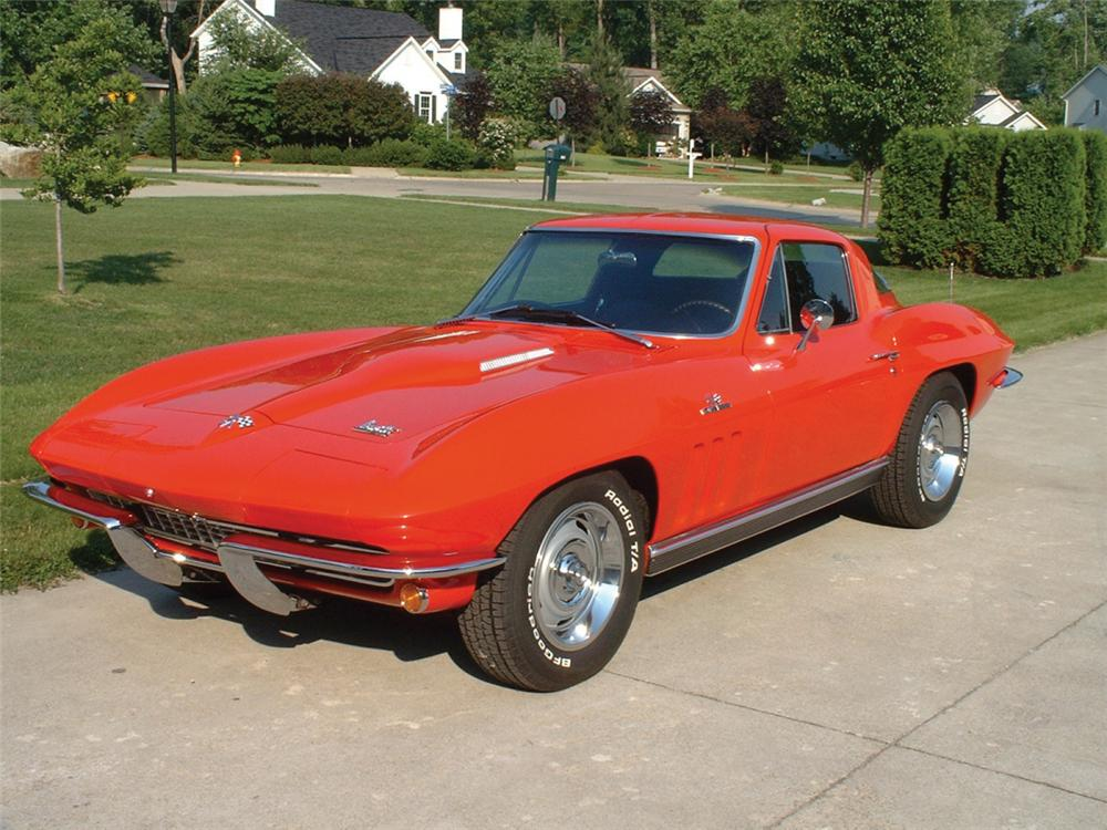 1966 CHEVROLET CORVETTE 427/425 COUPE - Front 3/4 - 20571