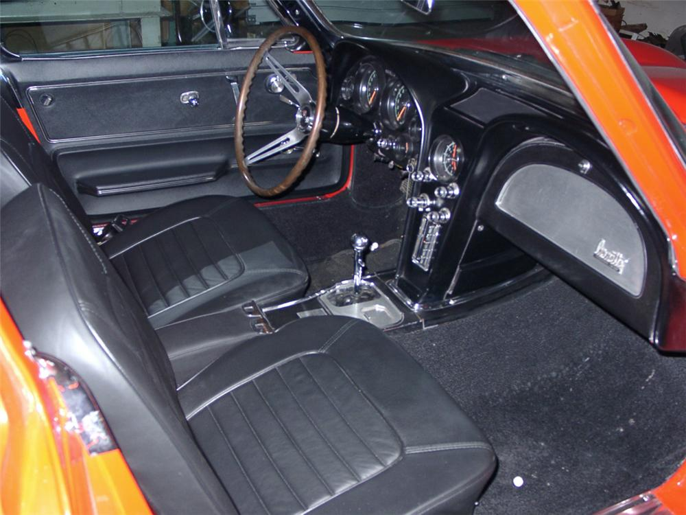 1966 CHEVROLET CORVETTE 427/425 COUPE - Interior - 20571
