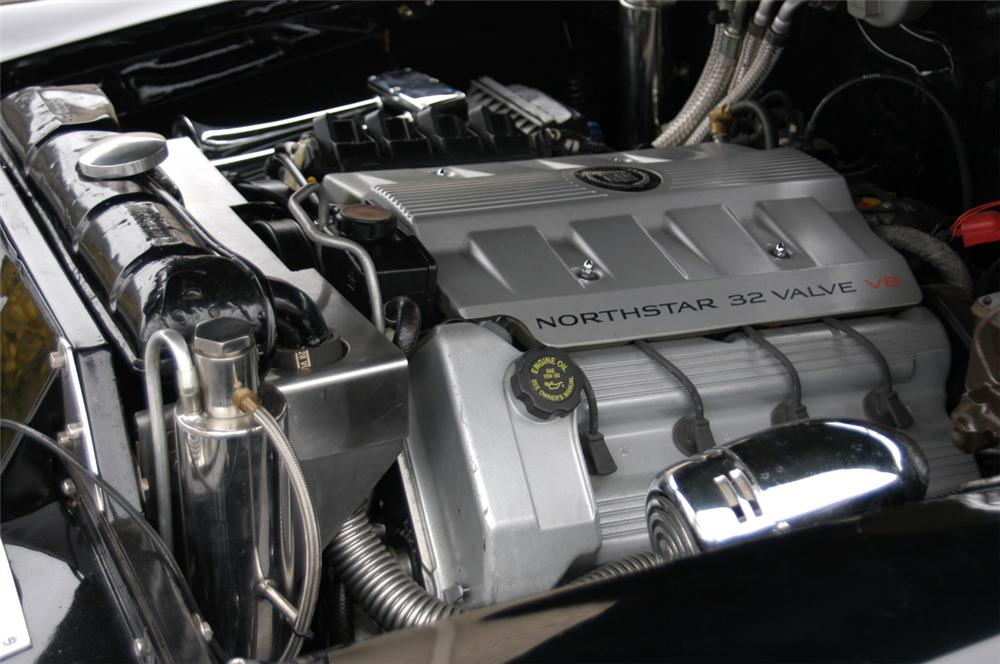 1948 CADILLAC FLEETWOOD CONVERTIBLE - Engine - 20580