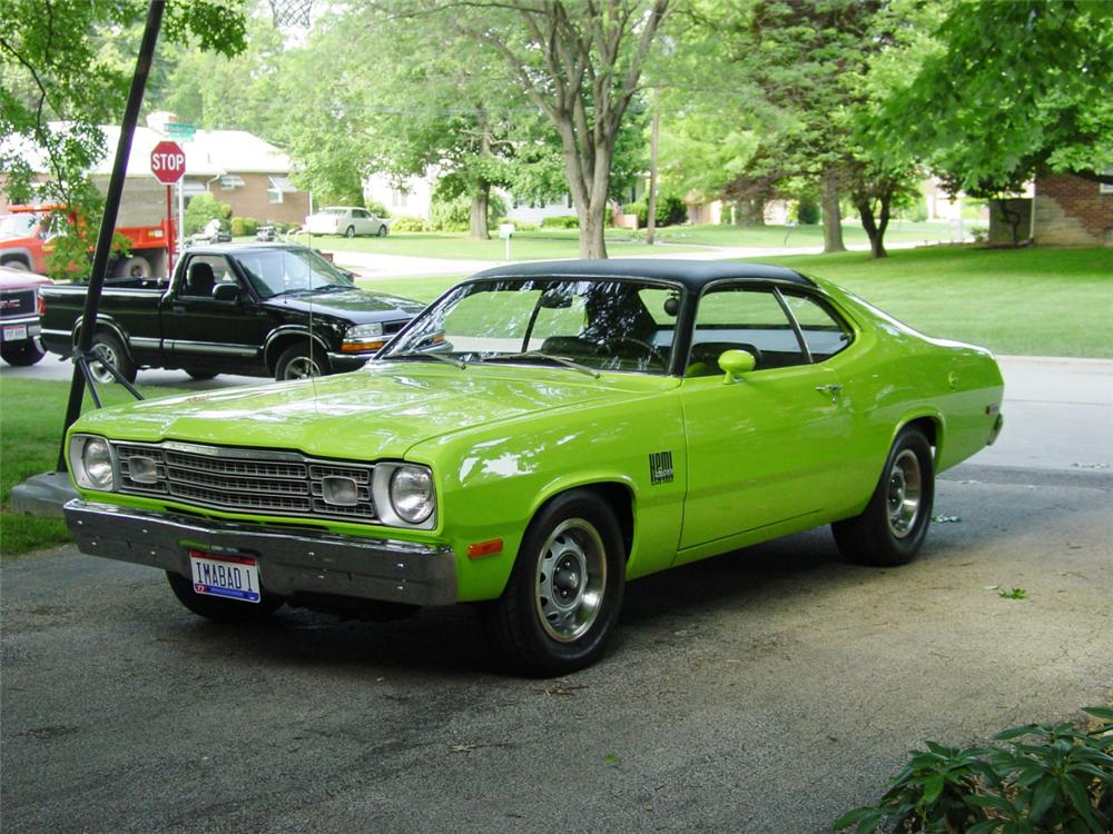 1973 PLYMOUTH DUSTER HEMI COUPE - Front 3/4 - 20581