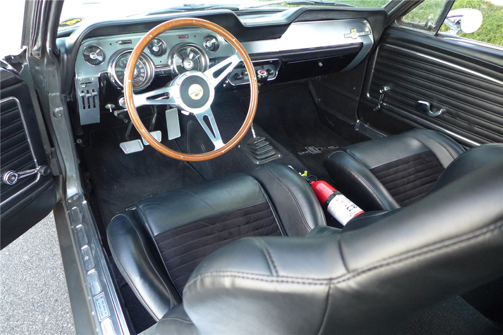 1968 FORD MUSTANG CUSTOM FASTBACK - Interior - 205900