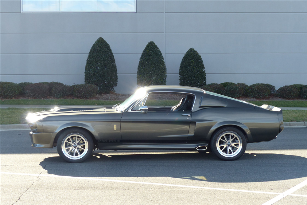 1968 FORD MUSTANG CUSTOM FASTBACK - Side Profile - 205900