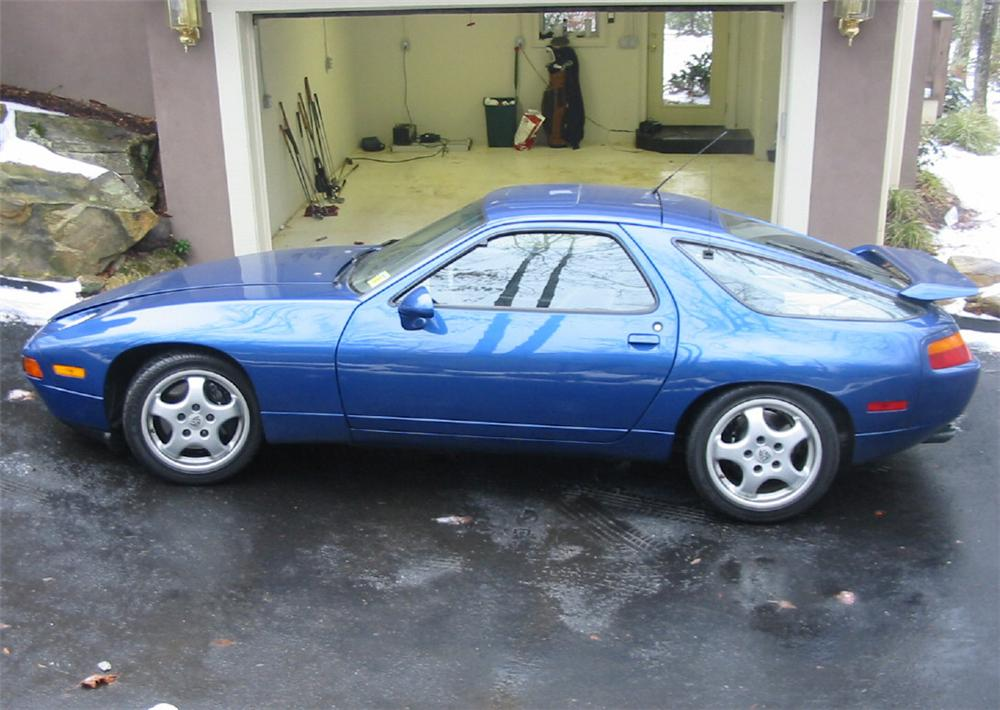 1993 PORSCHE 928 GTS 2 DOOR COUPE - Front 3/4 - 20594