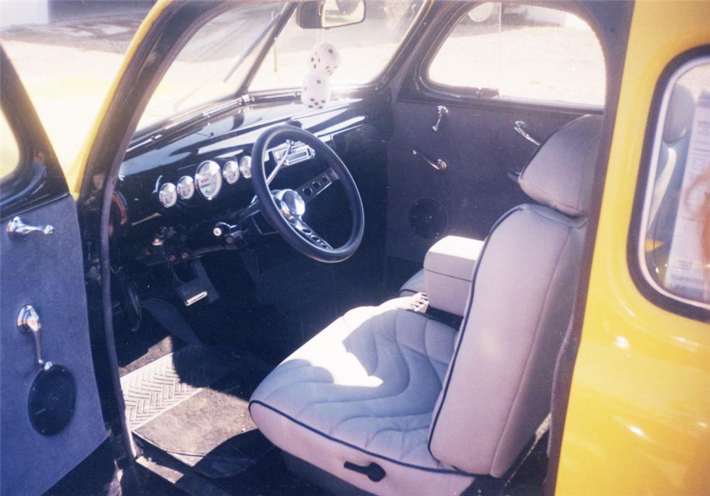 1941 FORD 2 DOOR COUPE - Interior - 20601