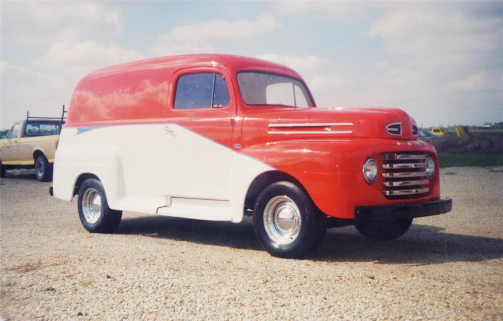 1948 FORD PANEL TRUCK - Front 3/4 - 20602