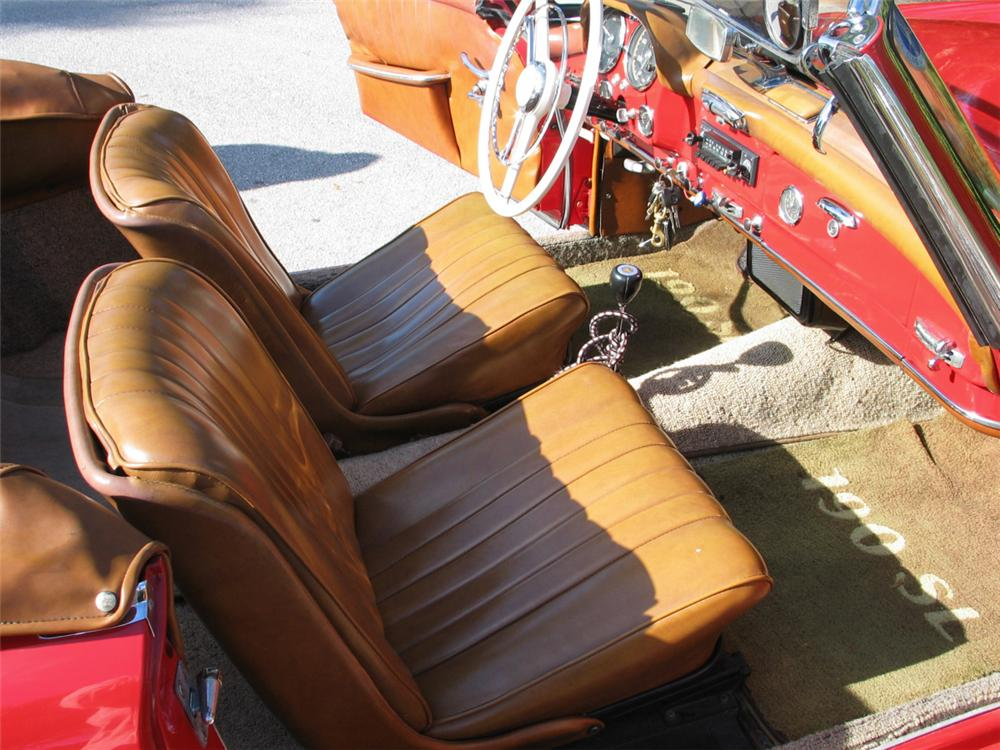 1956 MERCEDES-BENZ 190SL ROADSTER - Interior - 20609