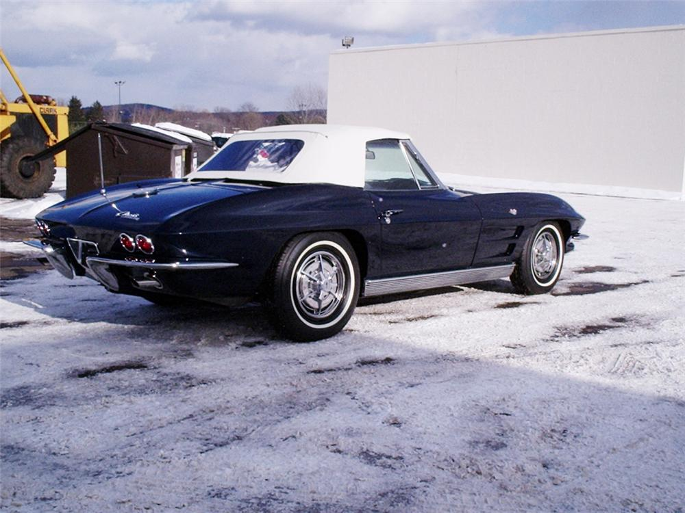 1963 CHEVROLET CORVETTE CONVERTIBLE - Rear 3/4 - 20616