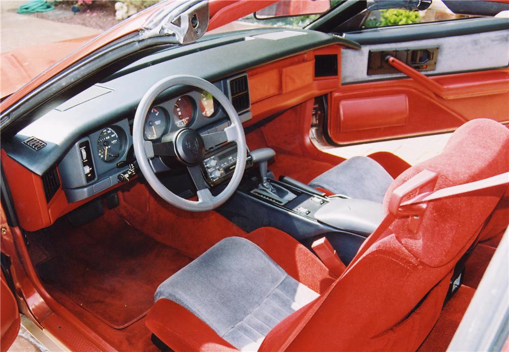 1986 PONTIAC FIREBIRD T-TOP COUPE - Interior - 20627