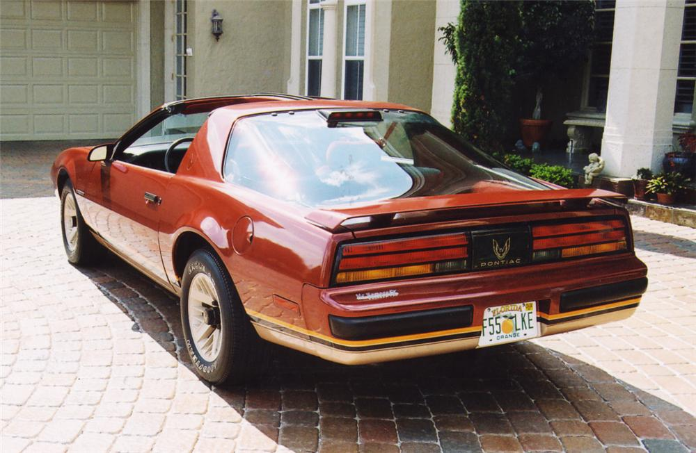 1986 PONTIAC FIREBIRD T-TOP COUPE - Rear 3/4 - 20627