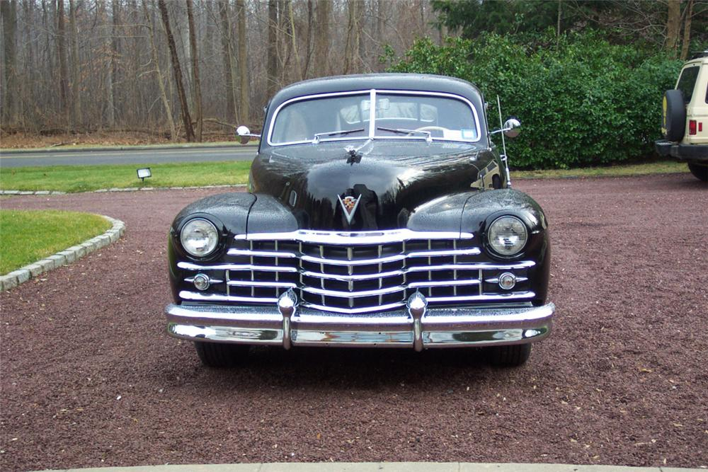 1947 CADILLAC SERIES 62 FASTBACK COUPE - Front 3/4 - 20640