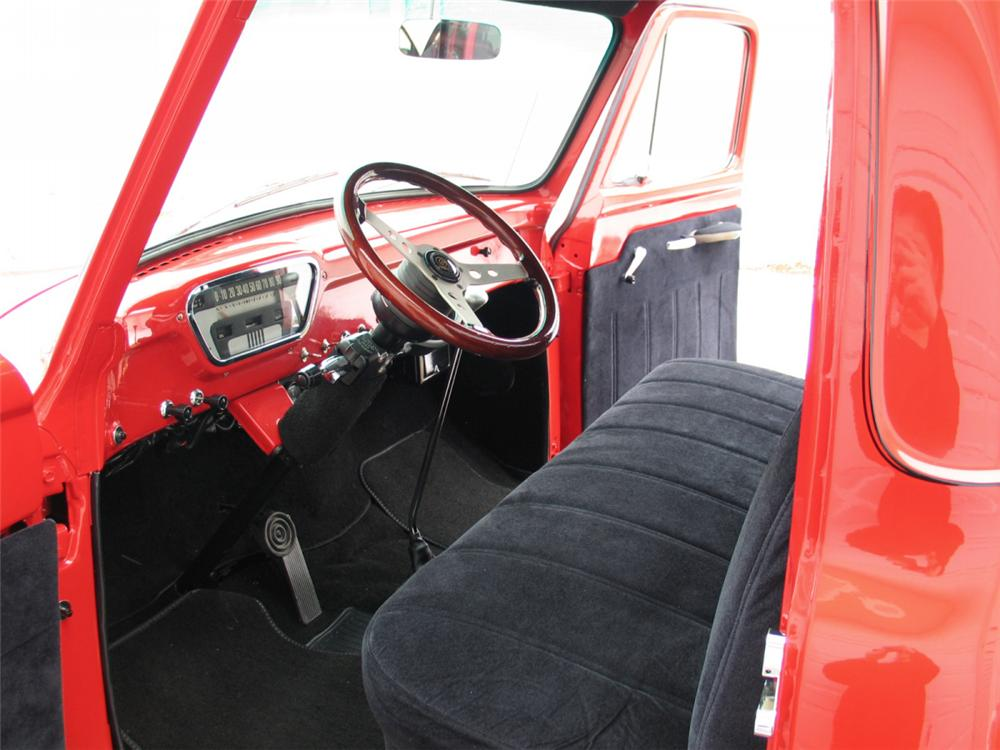 1955 FORD F-100 CUSTOM PICKUP - Interior - 20642
