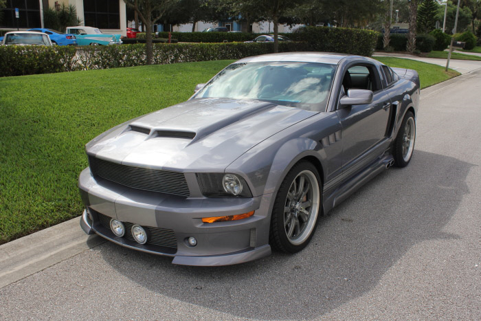 2007 FORD MUSTANG GT CUSTOM FASTBACK - Front 3/4 - 206802