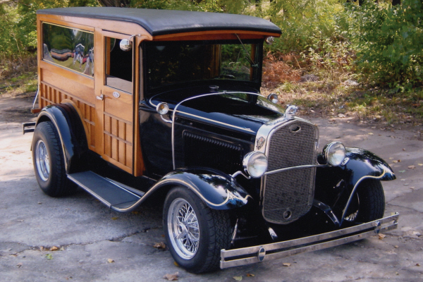 1931 FORD MODEL A CUSTOM WOODY SEDAN DELIVERY - Front 3/4 - 20686