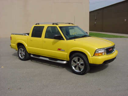 2001 GMC SONOMA ZR-5 FROM GM COLLECTION - Front 3/4 - 20706