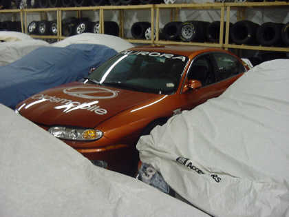 2001 OLDSMOBILE AURORA IRL PACE CAR FROM GM COLLECTION - Front 3/4 - 20708
