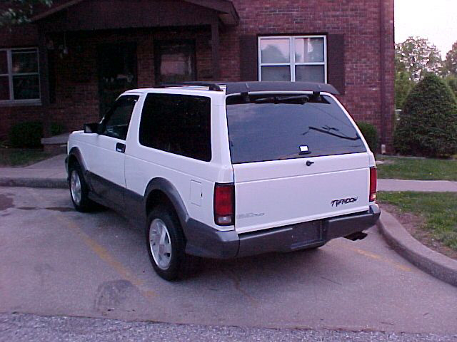 1992 GMC TYPHOON CARRYALL - Rear 3/4 - 20716