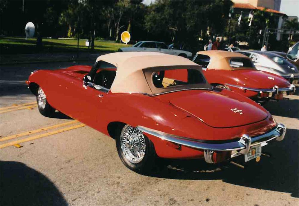 1970 JAGUAR XKE CONVERTIBLE - Rear 3/4 - 20718