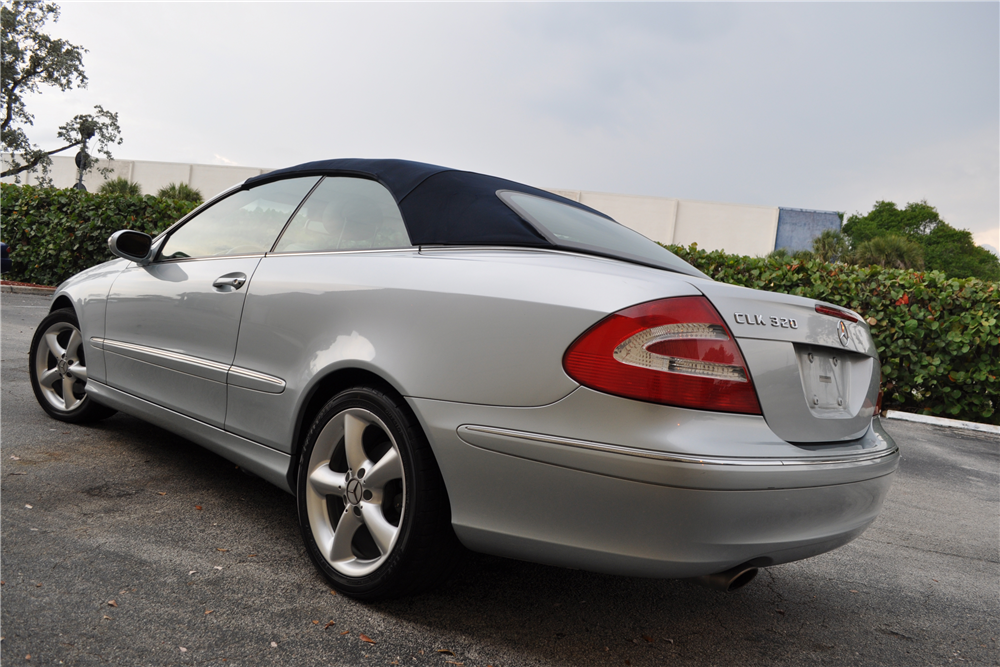 2005 mercedes benz clk 320 convertible 207220. Black Bedroom Furniture Sets. Home Design Ideas