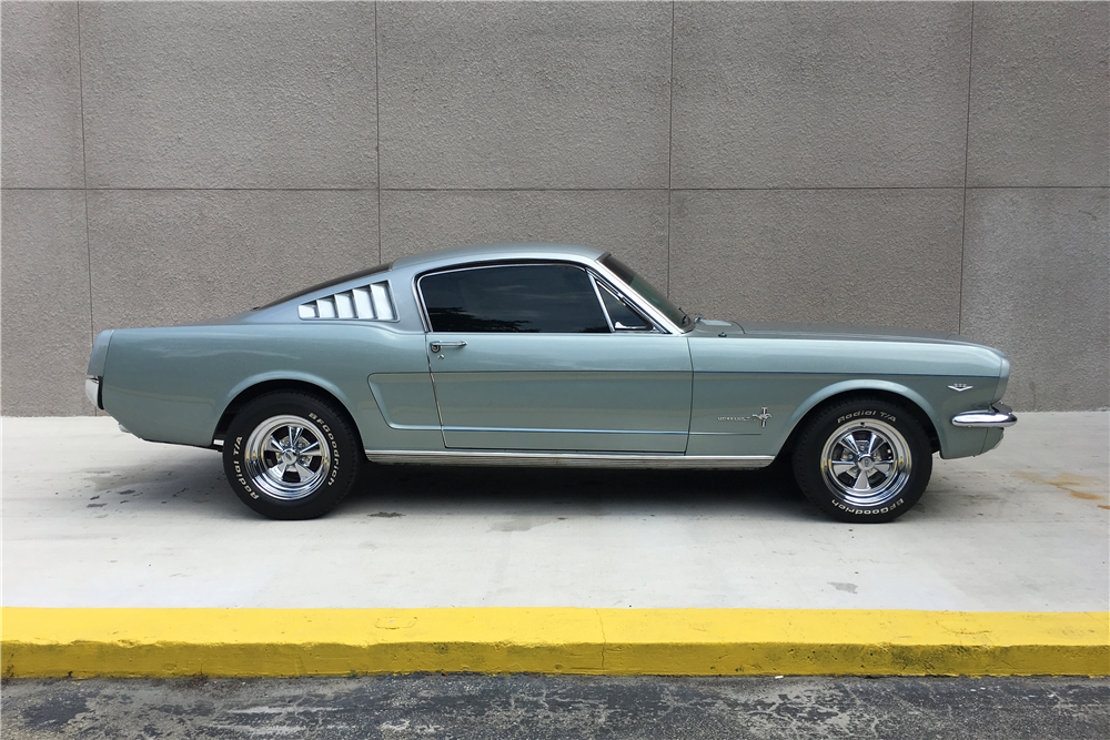 1965 FORD MUSTANG FASTBACK - Side Profile - 207424