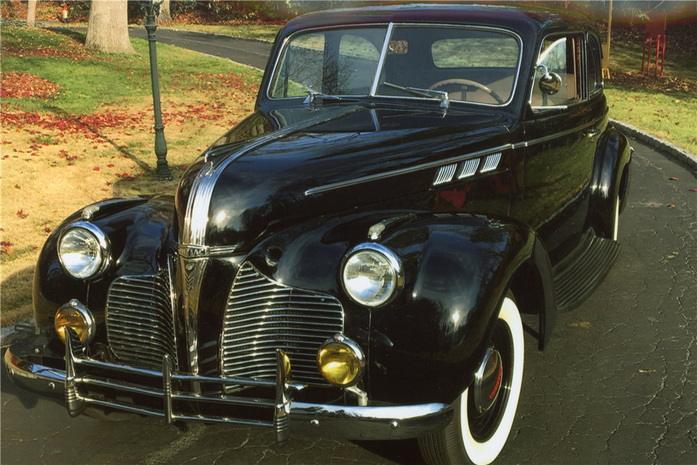 1940 pontiac touring sedan