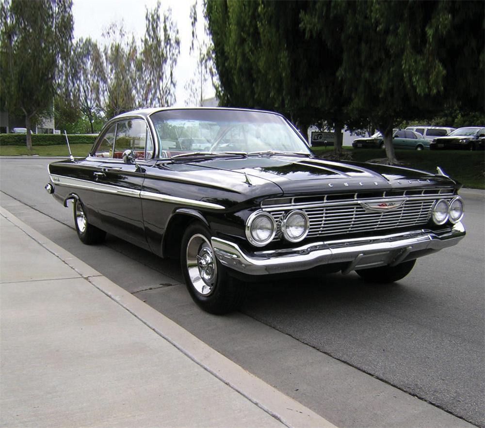 1961 CHEVROLET IMPALA 2 DOOR COUPE - Front 3/4 - 20789