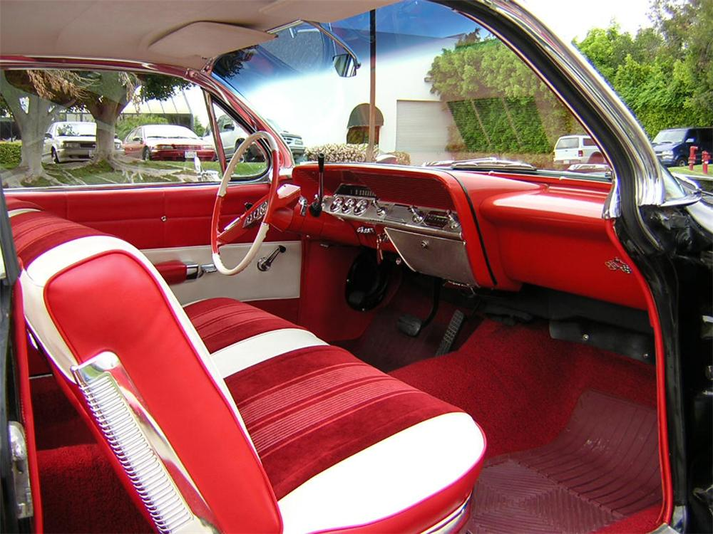 1961 CHEVROLET IMPALA 2 DOOR COUPE - Interior - 20789