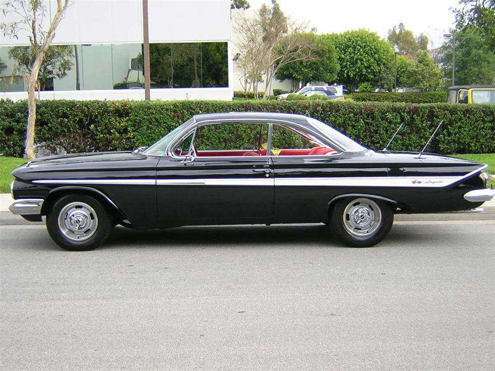 1961 CHEVROLET IMPALA 2 DOOR COUPE - Side Profile - 20789