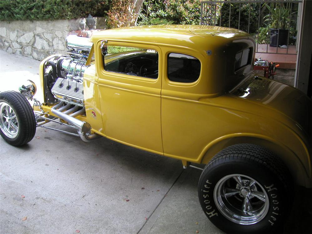 1931 FORD 5 WINDOW COUPE STREET ROD - Side Profile - 20792