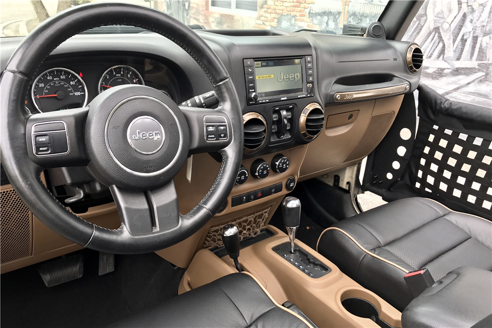 ... 2011 JEEP WRANGLER UNLIMITED CUSTOM 4X4   Interior   208500 ...