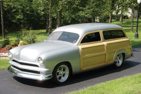 1950 FORD WOODY WAGON - Front 3/4 - 20897