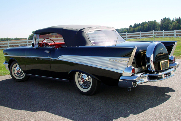 1957 CHEVROLET BEL AIR CONVERTIBLE - Rear 3/4 - 20910