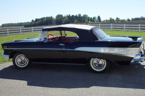 1957 CHEVROLET BEL AIR CONVERTIBLE - Side Profile - 20910