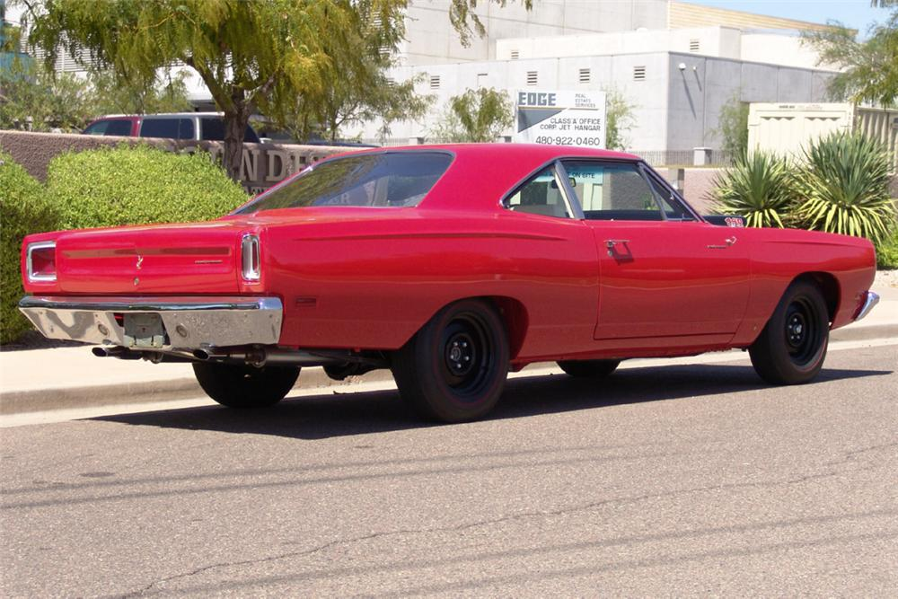 1969 PLYMOUTH ROAD RUNNER 2 DOOR HARDTOP - Rear 3/4 - 20917