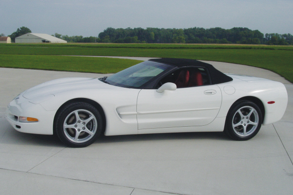 2003 CHEVROLET CORVETTE CONVERTIBLE - Front 3/4 - 20921