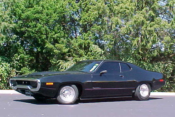1971 PLYMOUTH ROAD RUNNER COUPE - Front 3/4 - 20925