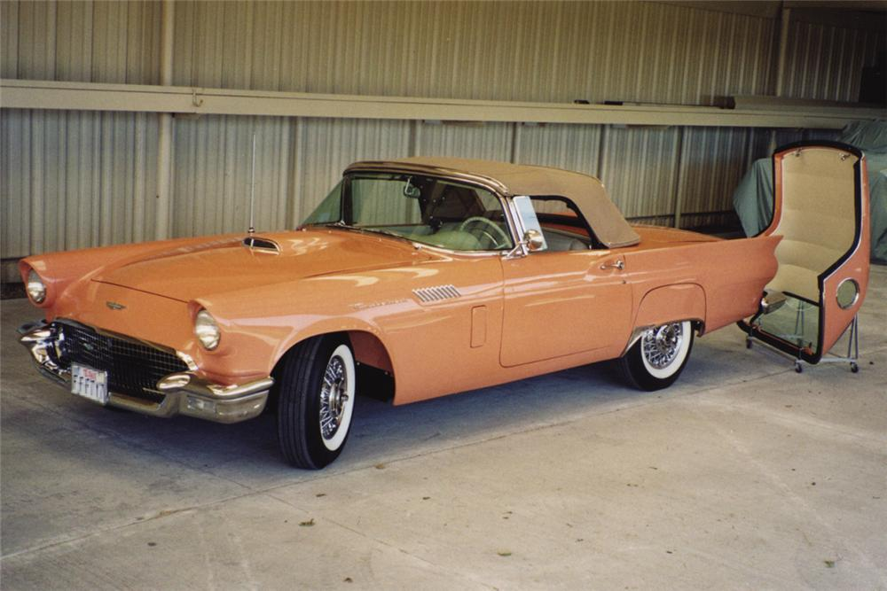 1957 FORD THUNDERBIRD CONVERTIBLE - Front 3/4 - 20938