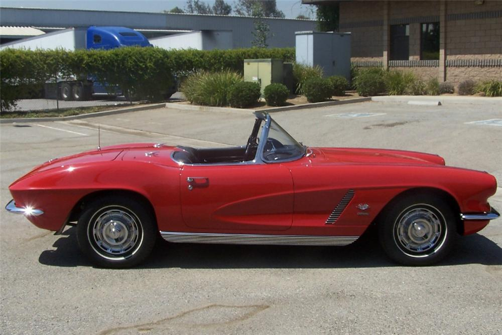 1962 CHEVROLET CORVETTE FI CONVERTIBLE - Side Profile - 20939