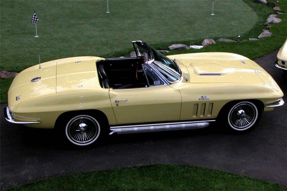 1966 CHEVROLET CORVETTE 427/425 CONVERTIBLE - Rear 3/4 - 20940