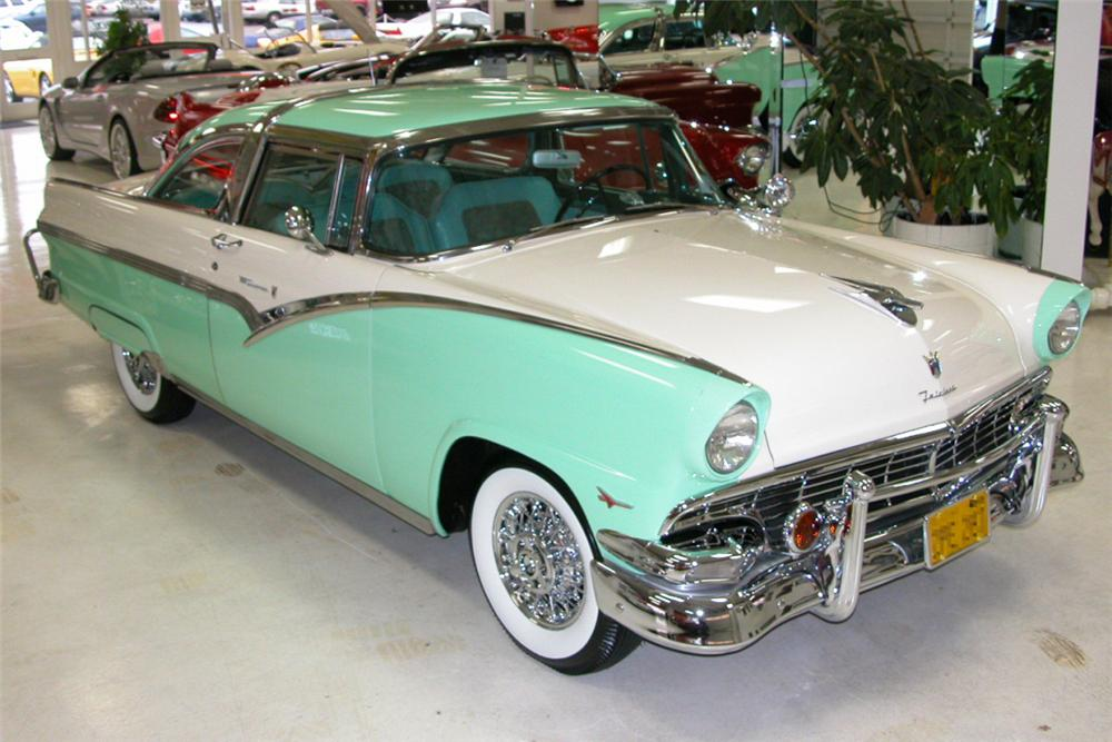 1956 ford crown victoria 2 door front 3 4 20944. Cars Review. Best American Auto & Cars Review
