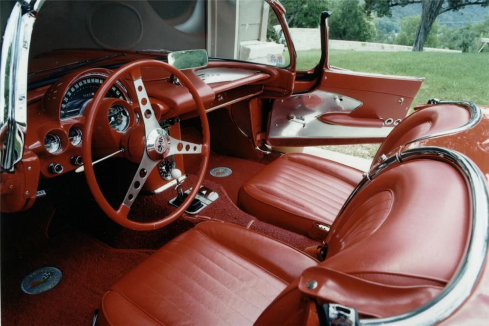 1960 CHEVROLET CORVETTE FI CONVERTIBLE - Interior - 20967