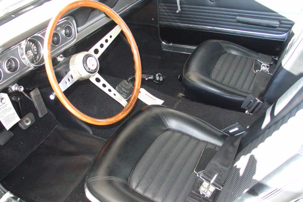1966 SHELBY GT350 FASTBACK - Interior - 20986