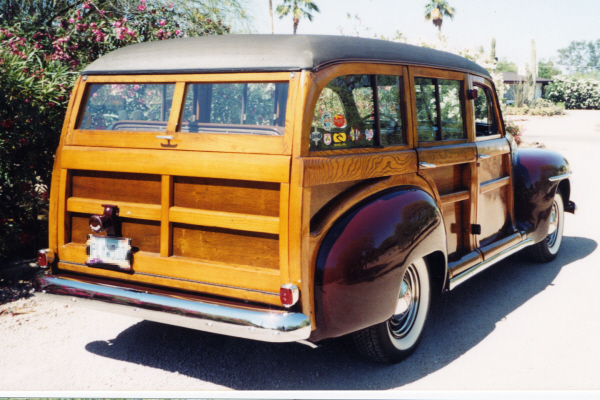 1948 PLYMOUTH P-15 DELUXE WOODIE WAGON - Rear 3/4 - 21001