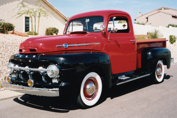 1952 FORD F-100 PICKUP - Front 3/4 - 21003