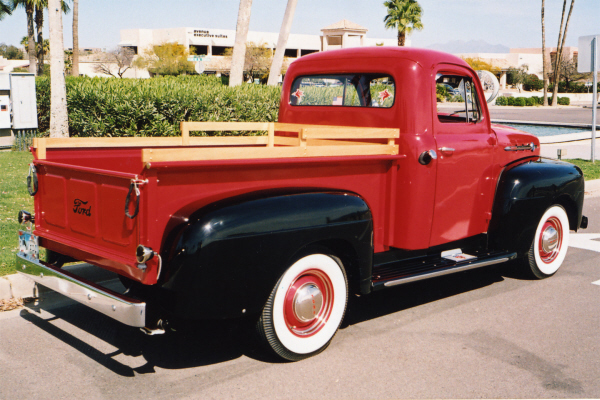 1952 FORD F-100 PICKUP - Rear 3/4 - 21003