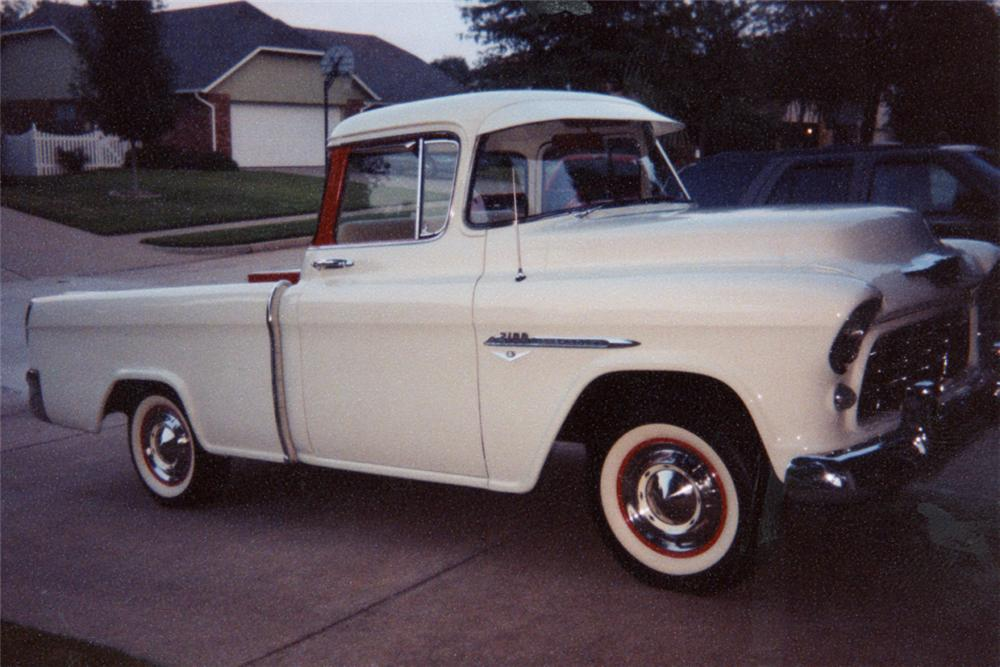 1955 CHEVROLET CAMEO PICKUP - Front 3/4 - 21017