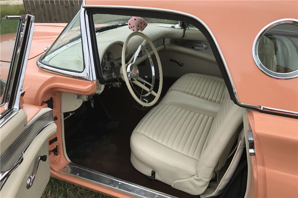 1957 FORD THUNDERBIRD CONVERTIBLE - Interior - 210228